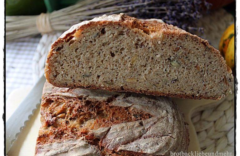 Quark-Kürbiskern-Brot mit Quellstück