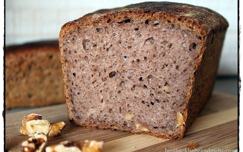 Walnuss-Joghurt-Brot