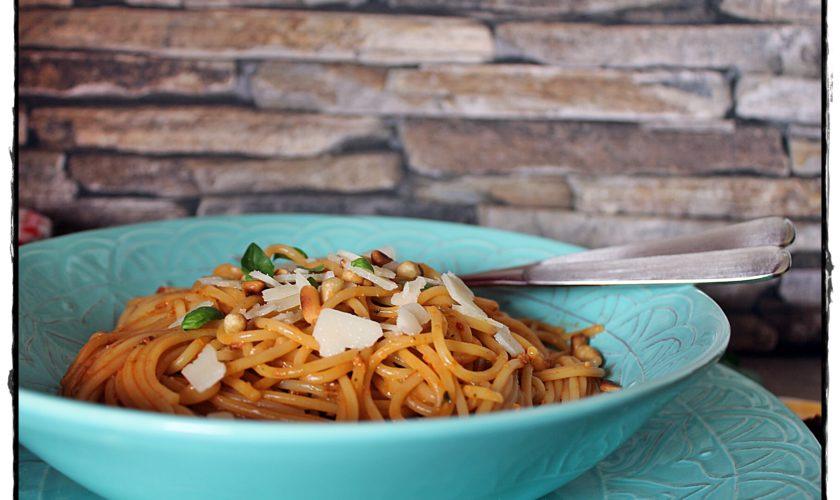 Spaghetti Pesto alla Sicilliana – Tomatenpesto