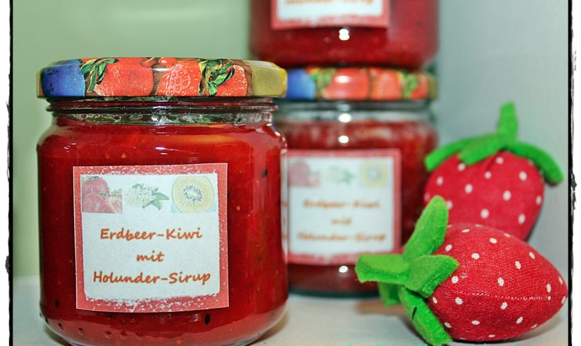 Erdbeer-Kiwi-Marmelade mit Holunderblüten-Sirup