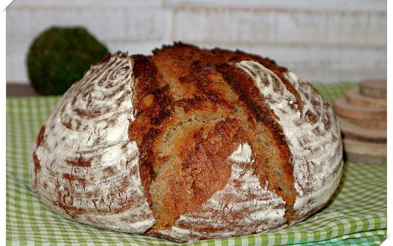 Malz-Kefir-Brot im Topf (Übernachtgare)