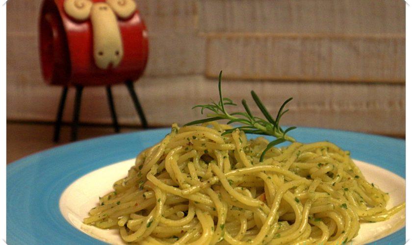 Spaghetti mit 3-Kräuter-Pesto
