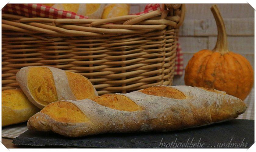 Kürbis-Baguette und Kürbis-Baguette-Brötchen