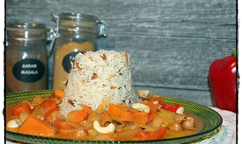 Gemüse-Curry mit Süßkartoffeln und Kichererbsen